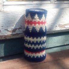 """Чехол для бутылки """"Синий с красно-белыми зигзагами"""""""